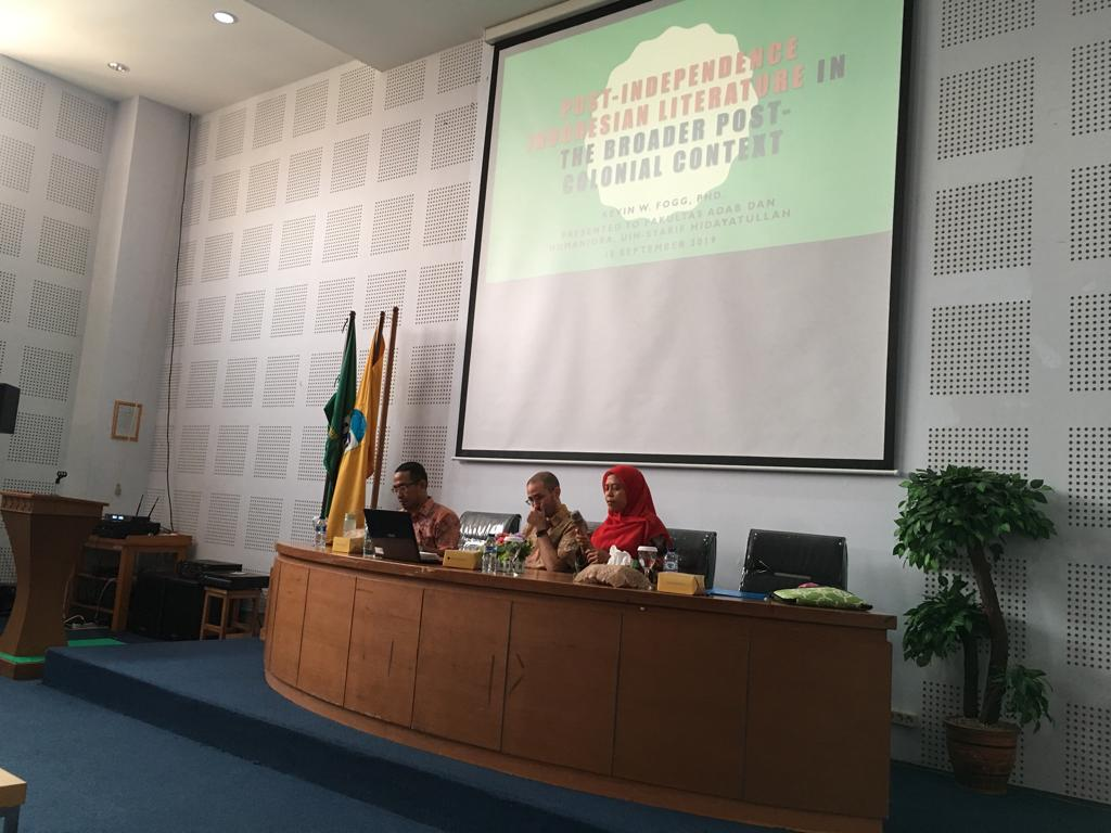 """Studium Generale """"Indonesian Literature post Independence"""" with Dr. Kevin Fogg from the university of Oxford"""